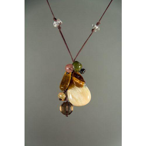 Sárga-Kalcedon, ásványfürt