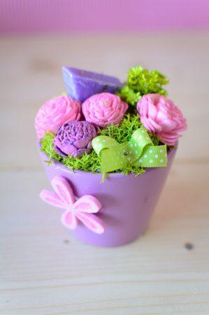 Illatosító kiskaspó lila